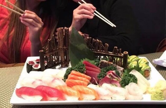 Collegeville, PA: Sushi and sashimi deluxe