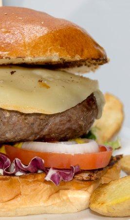 Coslada, Spain: Hamburguesa de Buey Yaque. El plato mas solicitado de la carta, averigua por qué.