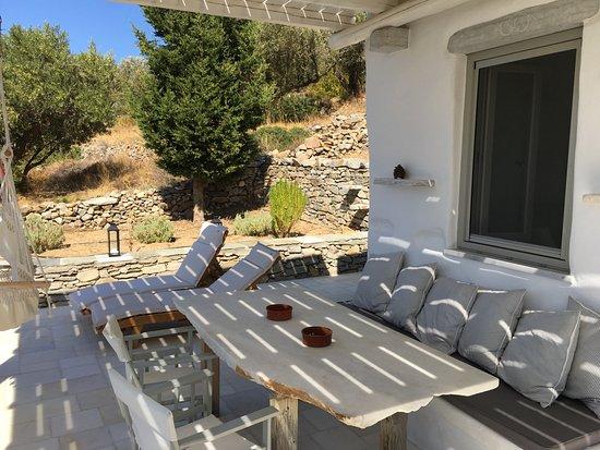 Paros Apartments: prachtige plek in de schaduw met uitzicht