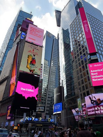 times square bild von times square new york city tripadvisor. Black Bedroom Furniture Sets. Home Design Ideas
