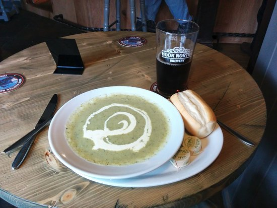 Hook Norton, UK: Superb soup and Hooky Mild - a perfect combination