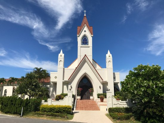 沖縄の人気の結婚式場21選|沖縄ウェディングのお役立ち情報