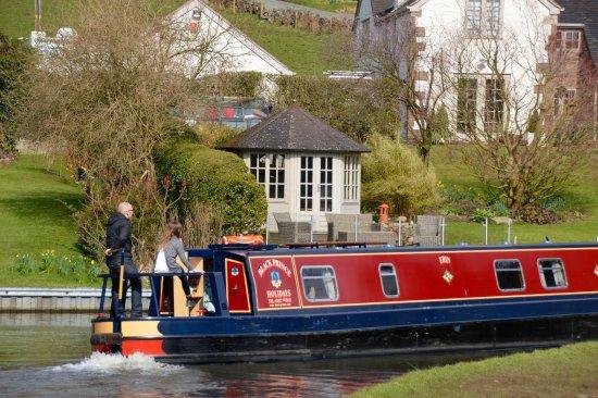 Stoke-on-Trent, UK: Black Prince Narrowboat Holidays in Staffordshire