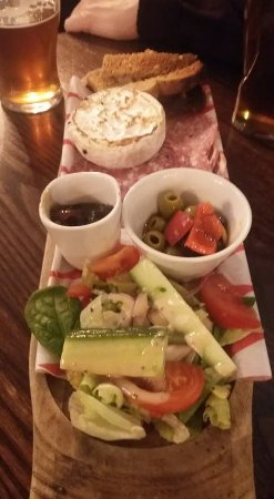 Cobham, UK: Lovely Starter asked for more toast and was given a plate more