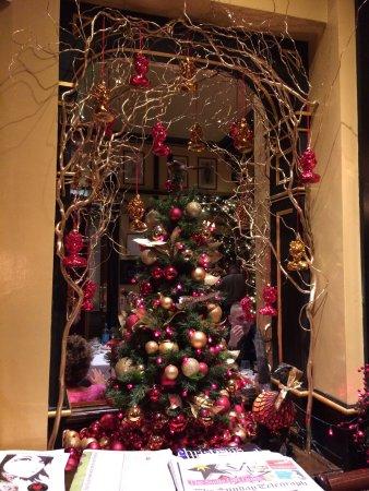 rules restaurant festive christmas decorations - London Christmas Decorations