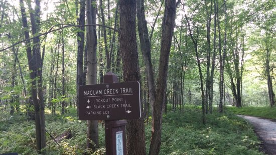 Swanton, Вермонт: Maquam Creek Trail sign