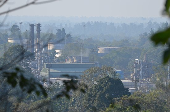 Digboi, Indien: View point inside refinery
