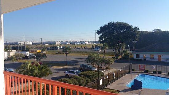 Howard Johnson Inn - Ocala FL : View from 3rd floor room