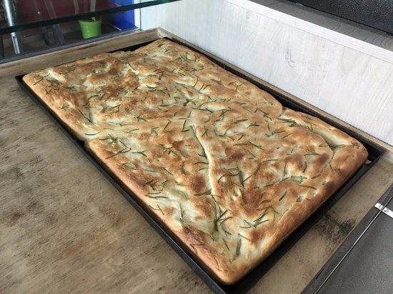 Mercatello sul Metauro, Italy: Pizza alla teglia bianca
