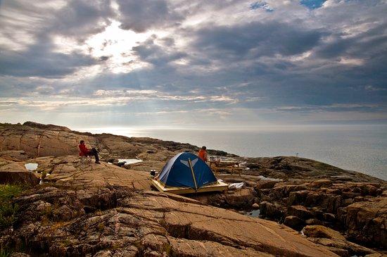 Les Bergeronnes, Canada: Camping rustique sur plateforme avec vue sur le fleuve