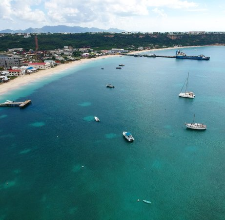 bahía de Simpson, St. Maarten: Road Bay, Anguilla