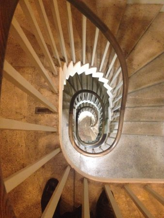 Pavillon royal : Going Underground - Royal Pavilion staircase leading to the Tunnel Tour