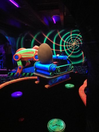 GlowGolf Amsterdam: Glow golf Amsterdam.