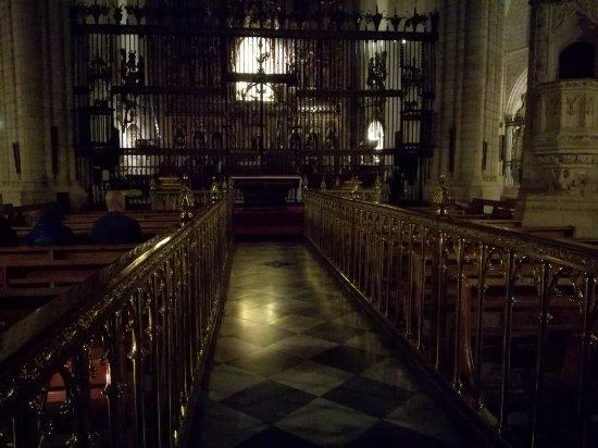 Catedral de Santa María: Interno della cattedrale, pultroppo c è poca luce ma è molto bella