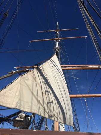 Maritime Museum of San Diego : Star of India Main mast