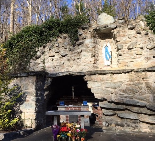 National Shrine Grotto of Lourdes: Grotto of Lourdes