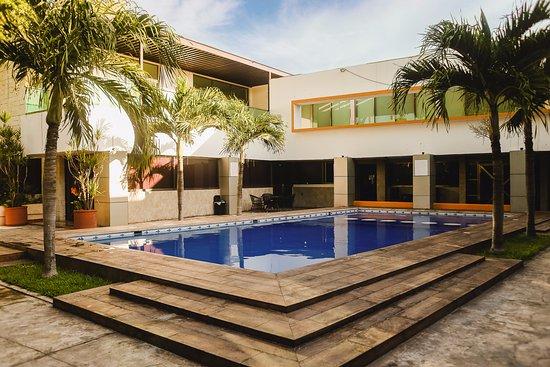 Hotel plaza mirador desde 725 m rida yucat n for Hoteles en merida con piscina