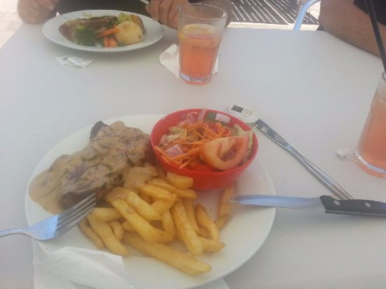 Fingal Bay Bistro: Best steak meal for only $15.50