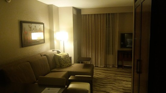 Embassy Suites by Hilton Chattanooga/Hamilton Place: 20171122_223841_large.jpg