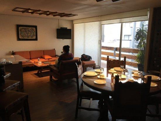 Suites Amberes Photo