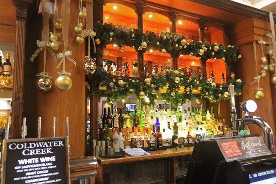 The Thomas Lloyd bar