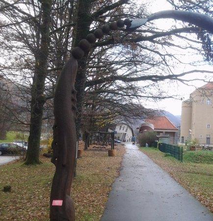 Untergriesbach, Tyskland: Haus Am Strom - na przeciwko drogi Restauracja