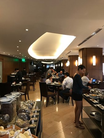 Restaurant De 2nd Etage Picture Of City Garden Hotel Makati