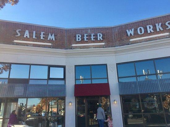 Finns Restaurant Salem Ma