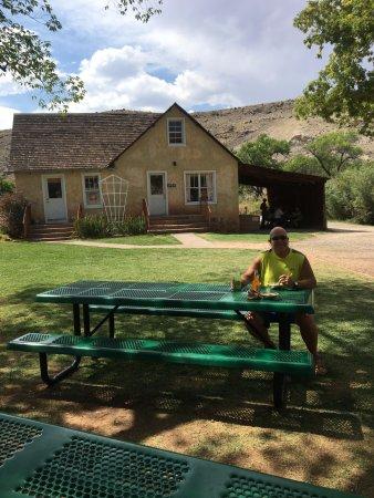Torrey, UT: Eating fresh pie outside the Gifford House