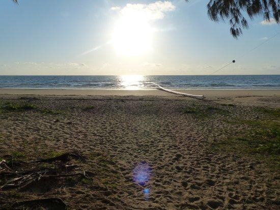 Mission Beach, Australien: Sonnenaufgang über der Badezone
