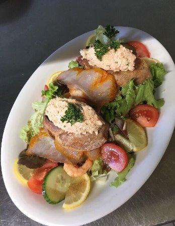 Gondeville, Frankreich: Salade du Berger» et Salade de la Mer»