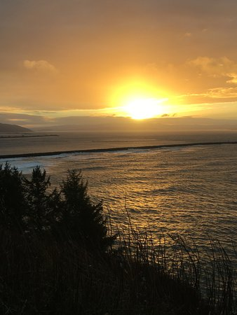 Ilwaco, WA: Sunrise from Cape Disappointment Lighthouse