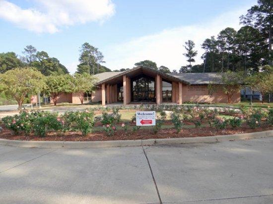 The area picture of gardens of the american rose center shreveport tripadvisor for The gardens of the american rose center