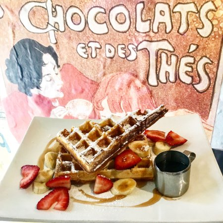 Coco Monde Chocolateria: Our famous waffles!