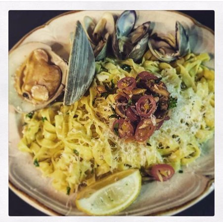Superior, WI: linguine with clams