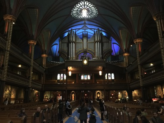 Montreal, Canadá: Back of church with pipe organ.