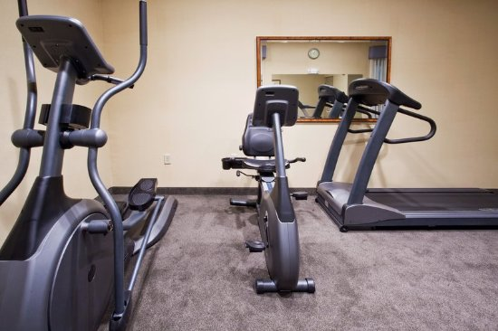 Holiday Inn Express Hotel & Suites Clearwater / US 19N: Fitness Center