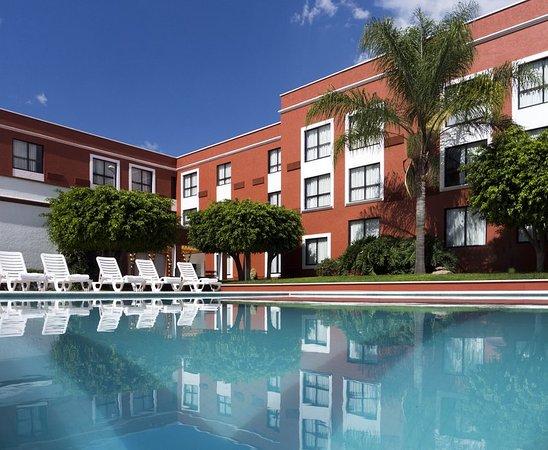 Fiesta Inn Leon: Outdoor pool
