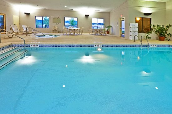 Muskogee, OK: Take a dip in our indoor pool.