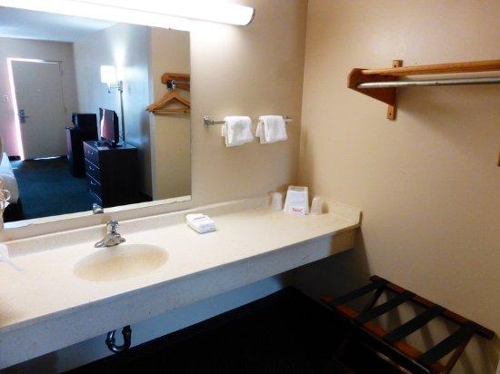 แม็กเคลนนีย์, ฟลอริด้า: Bathroom