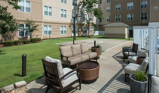 Basketabll Court - Picture of Homewood Suites by Hilton Montgomery ...