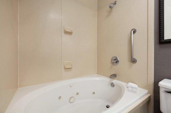 Milpitas, Californien: 1 King Guest Bathroom Whirlpool