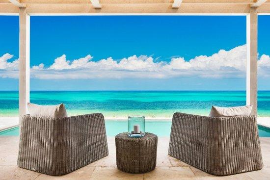 South Caicos: Sailrock Resort Beachfront Villa Outdoor Terrace