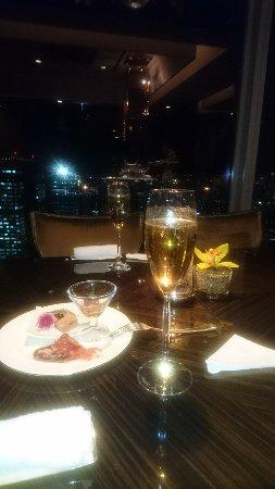 Shangri-La Hotel, Tokyo: DSC_0094_large.jpg