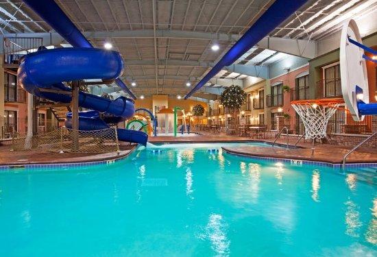 Lakeville, MN: Swimming Pool