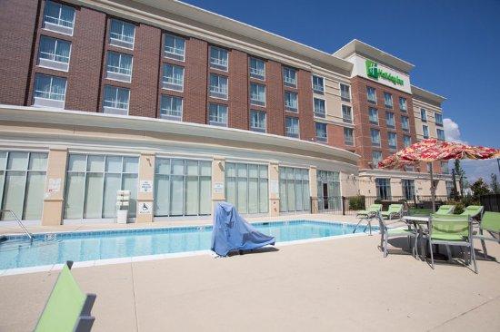 Swimming Pool Picture Of Holiday Inn Murfreesboro Tripadvisor