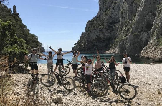 Cassis: Three Calanques Tour by ...