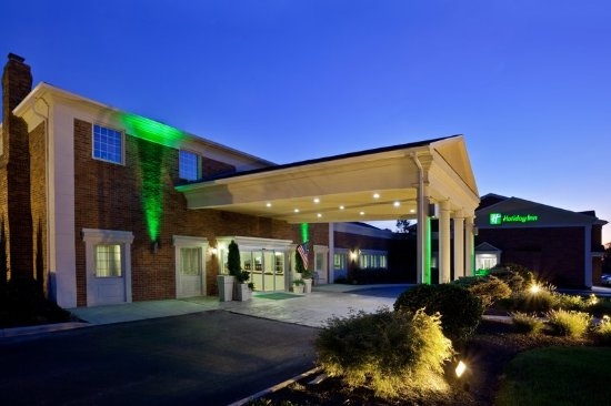 Worthington, OH: Hotel Exterior at Night Time