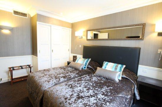 twin - Picture of Hotel Le Royal, Paris - TripAdvisor