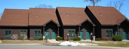 Nisswa, MN: Clubhouse Suites - Exterior